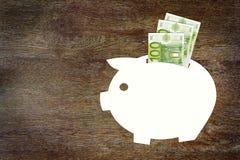 Konzept von Einsparungen das Geld in den Euros Lizenzfreie Stockfotografie