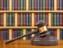 Konzept von Gerechtigkeit. Hammer und Gesetzbücher. Stockbilder
