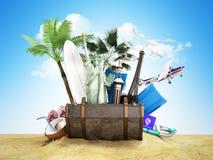 Konzept von Reise- und Tourismusanziehungskräften und von braunem Koffer für stock abbildung