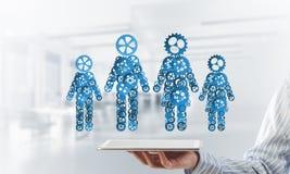 Konzept von Zusammenarbeit oder möglicherweise Familie mit zwei Zahlen, die Paare und Beziehungen darstellen Stockfoto