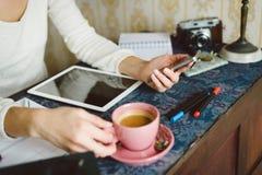Konzept zu Hause bearbeiten und studierend Lizenzfreie Stockbilder