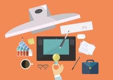 Konzeptidee, Draufsichtcomputer und Ausrüstungen für Arbeit des kreativen und Grafikdesigners, flache Linie Vektor und Illustrati stock abbildung