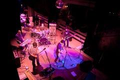 Konzert der Gruppe des Indie Pops, Champagne am 24. April 2009 lizenzfreies stockfoto