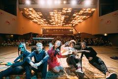 Konzert des belarussischen indie Popduos NAVI, auch genannt Naviba Lizenzfreies Stockfoto