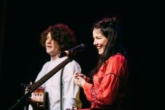 Konzert des belarussischen indie Popduos NAVI nannte auch Naviba Stockbild