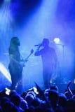 Konzert Okean Elzy in Helsinki in der Front eine Menge Lizenzfreie Stockfotografie