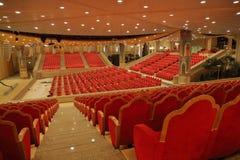 Konzertsaal in der Kirche Stockfotos