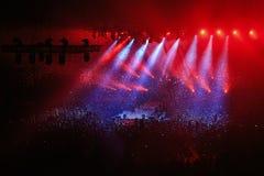 Konzertstadium und Beleuchtungshintergrund Lizenzfreie Stockfotografie