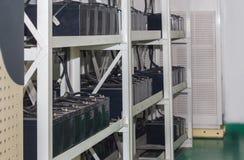 Koorden van batterijen voor de Uninterruptable Voeding, beslag Royalty-vrije Stock Afbeelding