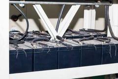 Koorden van batterijen voor de Uninterruptable Voeding, beslag Stock Afbeeldingen