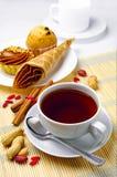 Kop koffie en cakes Royalty-vrije Stock Foto