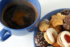 Kop koffie en koekjes Royalty-vrije Stock Afbeeldingen