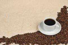 Kop koffie en koffiebonen Royalty-vrije Stock Foto