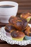 Kop koffie en muffins Stock Afbeeldingen