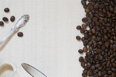 Kop koffie, theelepel en koffiebonen Royalty-vrije Stock Fotografie