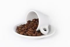 Kop met de Bonen van de Koffie Royalty-vrije Stock Foto's