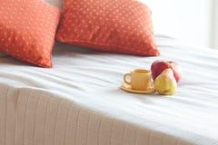 Kop thee, appel en peer Stock Afbeelding