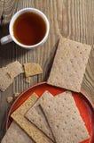 Kop thee en kernachtig brood royalty-vrije stock afbeelding