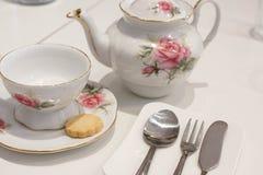 Kop thee en koekje stock fotografie
