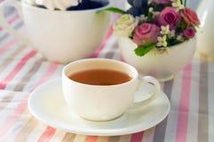 Kop thee met bloemen Stock Foto's