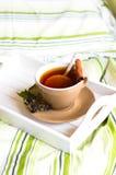Kop thee met citroen stock foto's
