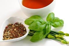 Kop thee op witte achtergrond Stock Foto