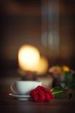 Kop thee, romantische atmosfeer Royalty-vrije Stock Foto's
