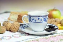 Kop van coffe met wanuts Stock Foto
