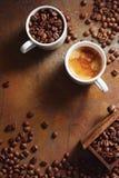 Kop van Espresso met de Bonen van de Koffie royalty-vrije stock foto's