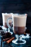 Kop van Kerstmiscappuccino stock afbeeldingen
