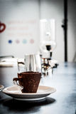 Kop van koffie in de Oekraïne in verschillend espressovoer Royalty-vrije Stock Foto's