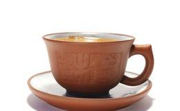 Kop van koffie die op wit wordt geïsoleerdb Stock Afbeeldingen