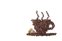 Kop van koffie die van koffiebonen wordt gemaakt Stock Fotografie