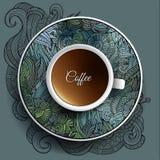 Kop van koffie en bloemenornament Royalty-vrije Stock Foto's