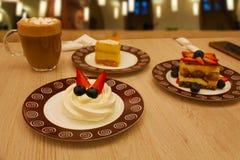 Kop van koffie en cake Stock Afbeelding