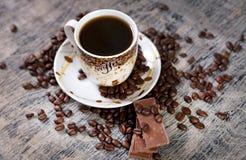 Kop van koffie en chocolade Stock Afbeeldingen