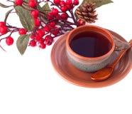 Kop van koffie en tak van haagdoorn, ontbijtachtergrond Royalty-vrije Stock Afbeelding