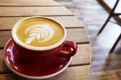 Kop van koffie latte Stock Afbeeldingen