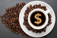 Kop van koffie met dollar Stock Foto