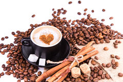 Kop van koffie met een hart. Koffiepauzeconcept. stock fotografie