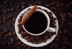 Kop van koffie met kaneel Royalty-vrije Stock Foto