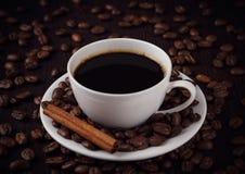 Kop van koffie met kaneel Royalty-vrije Stock Fotografie
