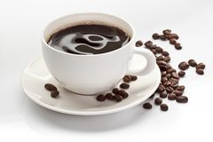 Kop van koffie met koffiebonen Royalty-vrije Stock Afbeeldingen