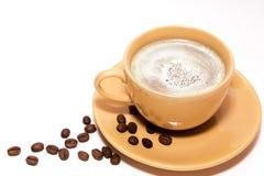 Kop van koffie met koffiebonen Stock Fotografie