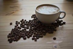 Kop van koffie met schuim Stock Fotografie