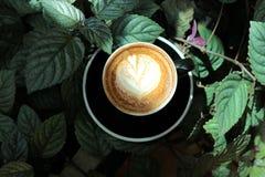 Kop van koffie op de lijst Stock Fotografie