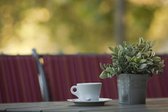 Kop van koffie op de lijst Stock Foto