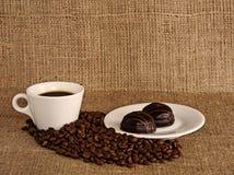 Kop van koffie op een canvasachtergrond. Royalty-vrije Stock Afbeelding