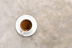 Kop van koffie op een witte achtergrond (die met weg wordt geïsoleerdk) Stock Afbeelding