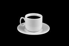 Kop van koffie op een zwarte achtergrond wordt geïsoleerd die Stock Foto's